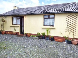 CONNEMARA HOUSE romantic retreat, close to beach in Clifden, County Galway Ref 15949 - Clifden vacation rentals