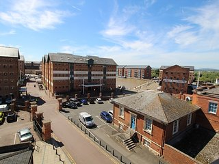 Gloucester Docks top-floor luxury apartment - Gloucester vacation rentals