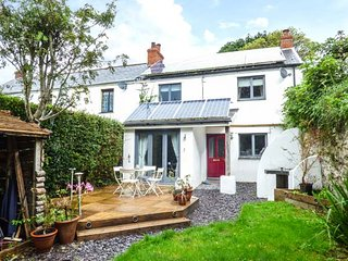 WRINGERS MEADOW, woodburner, private patio, pet-friendly, WiFi, in Combe Martin, Ref 939678 - Combe Martin vacation rentals