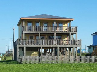 R & R - 3 Bedroom, 2 Bath, Sleeps 10. - Port Bolivar vacation rentals