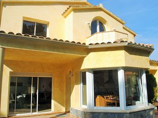 Giant villa with pool in the mountains near Sitges - Olivella vacation rentals