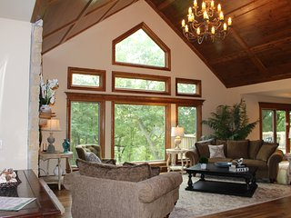 Beautiful House with Internet Access and A/C - Galena vacation rentals