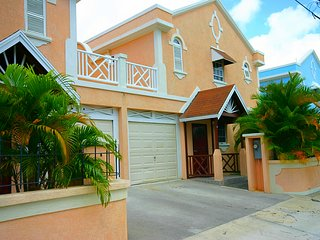 Nice Townhouse with Internet Access and A/C - Dover vacation rentals