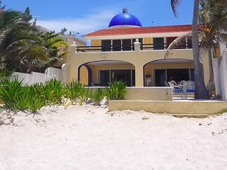 Bright 5 bedroom House in Chicxulub with A/C - Chicxulub vacation rentals