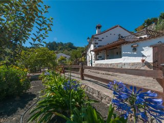 Holiday cottage with shared pool in Valleseco - Chilanga vacation rentals