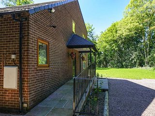 DUNSDALE LODGE, detached, luxurious, WiFi, ground floor bedroom, Frodsham, Ref: 938251 - Frodsham vacation rentals