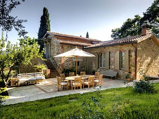 Villa Lunablu, Sleeps 10 - Cetona vacation rentals