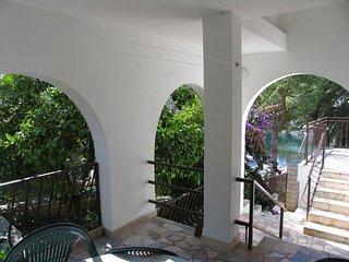 2212  A1(4+2) - Okrug Gornji - Okrug Gornji vacation rentals