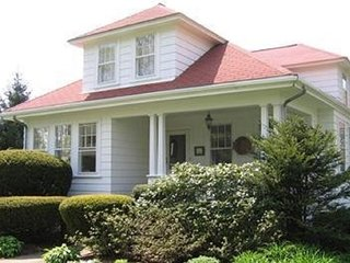 Beautiful House with Internet Access and DVD Player - Falmouth vacation rentals