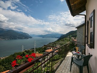 Cozy 2 bedroom House in Rezzonico - Rezzonico vacation rentals