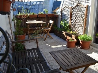Exceptional 50sqm 1BR for 4 - with rooftop! - P2 - Paris vacation rentals