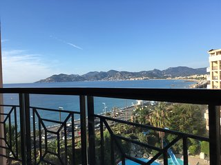 Cannes holiday apartment 608 right on the beach - Cannes vacation rentals