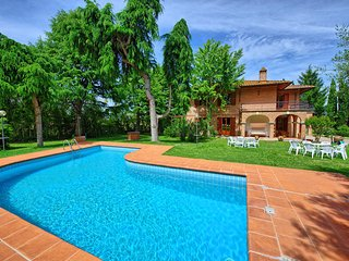 Stunning Villa Lauretana with private pool - Torrita di Siena vacation rentals