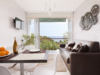 Front Beach apartment 1 BTH for 4 amazing views 3 - Sant Pol de Mar vacation rentals