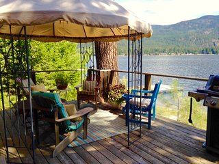 Lovely 2 bedroom Christina Lake Cottage with Deck - Christina Lake vacation rentals