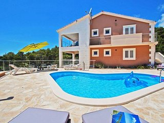 Spacious 6 bedroom Villa in Vela Luka - Vela Luka vacation rentals