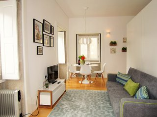 Sunny apartment Downtown - Porto vacation rentals