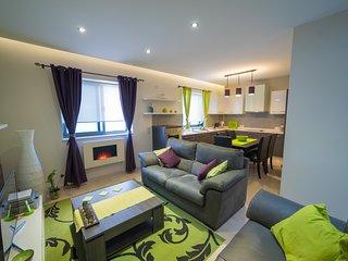 Modern and Comfortable Apartment (ref: DG) - Lija vacation rentals