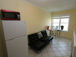 GREAT Bachelor or Bachelorette Pad - Virginia Beach vacation rentals