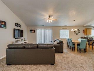 Zion! 3 Cal King Beds. Pingpong,AirHockey,foosball - Hurricane vacation rentals