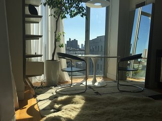 Designer Furnished Studio / 1BR in Williamsburg - New York City vacation rentals