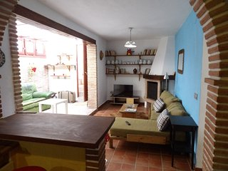 Country house closed to Malaga and beach, wifi a/c - Cartama vacation rentals