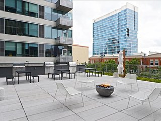 Chicago South Loop 2 Bedroom Luxury Suites - Chicago vacation rentals