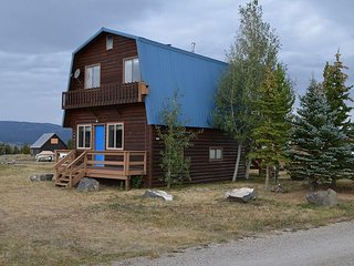 This charming modified A-Frame cabin overlooks Henry's Lake. - Macks Inn vacation rentals
