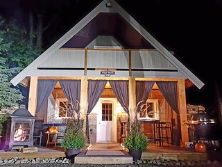 The Sugar Shack - Romantic Cottage for 2 - Haliburton vacation rentals
