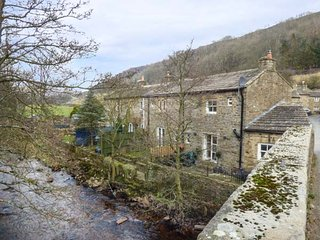 BRIG END stone-built character terraced cottage, romantic, woodburning stove, patio, in Langthwaite Ref 934742 - Langthwaite vacation rentals