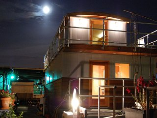 Floating Retreat in Heart of Seattle - Seattle vacation rentals