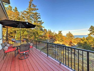 Executive 4 bedroom home with stunning ocean views - Victoria vacation rentals