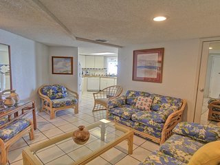 Gulf front condo w/balcony & resort beach, pool & hot tub! - South Padre Island vacation rentals