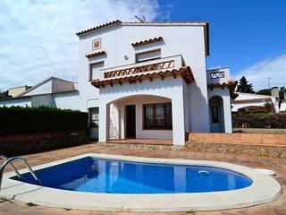 Nice L'Estartit vacation House with Washing Machine - L'Estartit vacation rentals