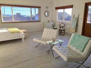 Newly renovated1 bedroom Apartmen with ocean views - Collaroy Beach vacation rentals
