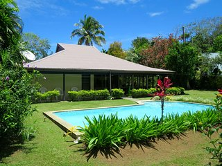 Cozy 3 bedroom Pacific Harbour Villa with Washing Machine - Pacific Harbour vacation rentals