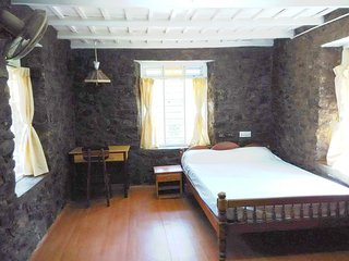 Cozy 3 bedroom Farmhouse Barn in Kumily with Television - Kumily vacation rentals