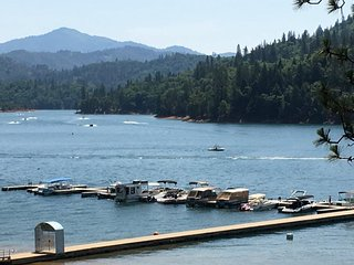 Lakefront....Shasta Lakeshore Retreat #2 - Lakehead vacation rentals