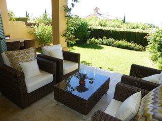 Luxurious 2 bedroom garden apartment - Puerto José Banús vacation rentals