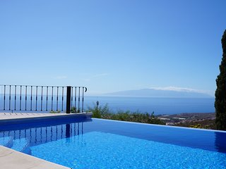 Beautiful Villa for 6 people, private heated pool - Costa Adeje vacation rentals