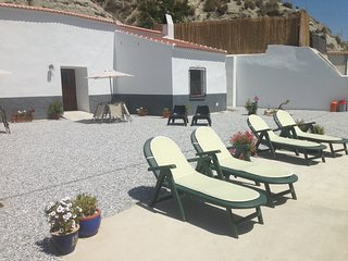 Holiday Cave House with Beautiful Views - Cueva Lince - Castillejar vacation rentals