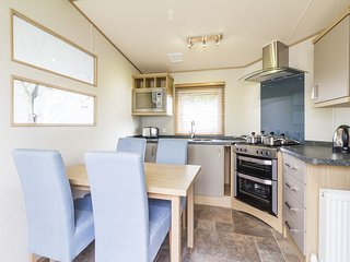 Ref 80009 Lansdown 6 berth static caravan Haven Hopton By the Beach. - Hopton on Sea vacation rentals