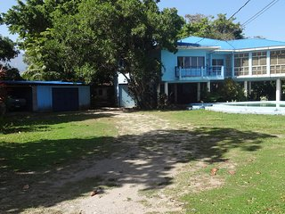 3 bedroom Bed and Breakfast with Deck in La Ceiba - La Ceiba vacation rentals