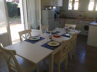 Maison indépendante  5 pers avec piscine près de Bordeaux entre plages et vignes - Saint Medard en Jalles vacation rentals