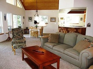 """Peak Retreat"" a Blue Lake Springs home in the treetops awaiting your arrival - Arnold vacation rentals"