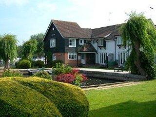 Riverside holiday cottage in Wroxham - Hoveton vacation rentals
