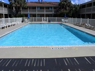 1BR Courtyard Condo in Port Aransas with Pool and BBQ, Steps From the Beach - Port Aransas vacation rentals