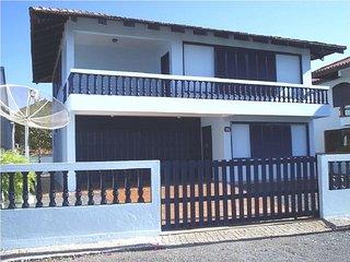 Sobrado com suíte a 30 metros do mar - Ubatuba SC - Sao Francisco do Sul vacation rentals