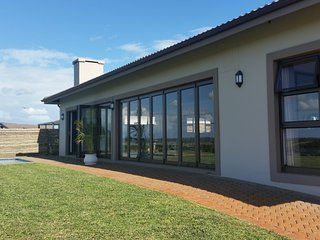 Nice 4 bedroom House in Mtunzini with Internet Access - Mtunzini vacation rentals