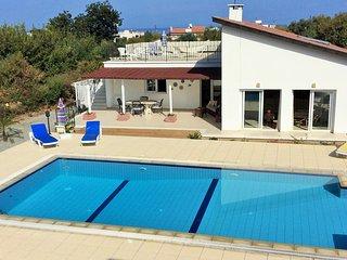 Bungalow - 3 Bedrooms, 3 Ensuite - Sleeps 6 - Alsancak - Karavas vacation rentals